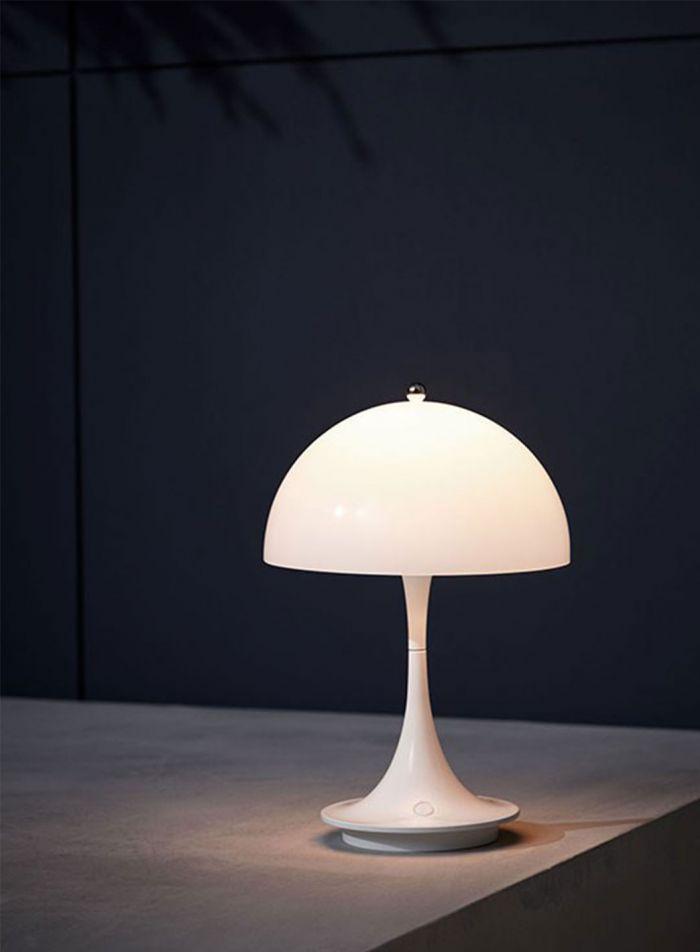 Panthella LED bærbar bordlampe - opal