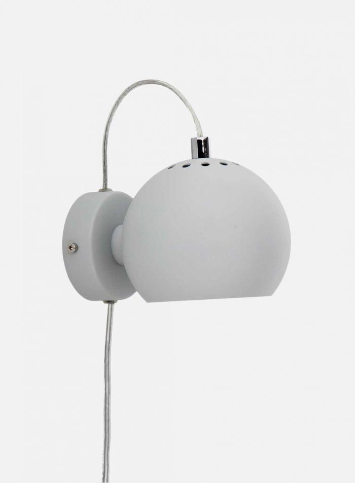 Ball vegglampe - matt lys grå