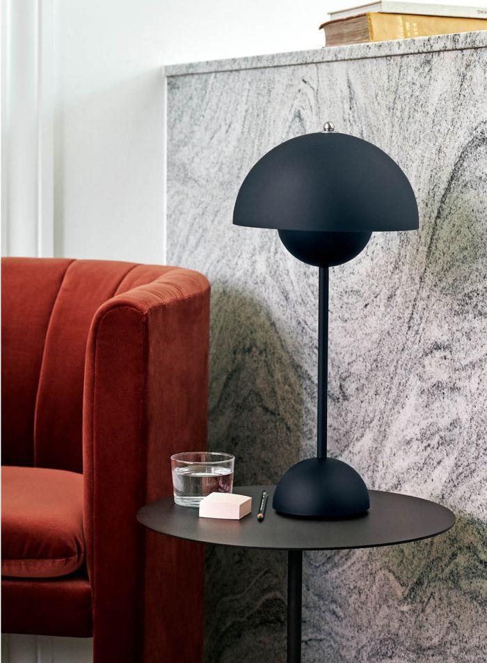 Flowerpot VP3 bordlampe- matt mørkeblå