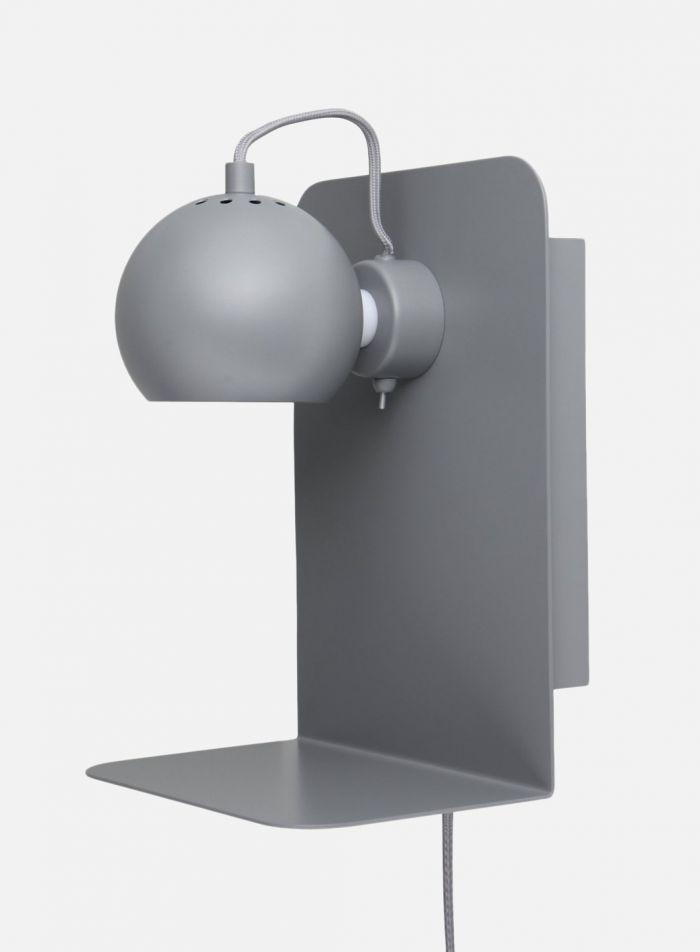 Ball med hylle vegglampe - lys grå