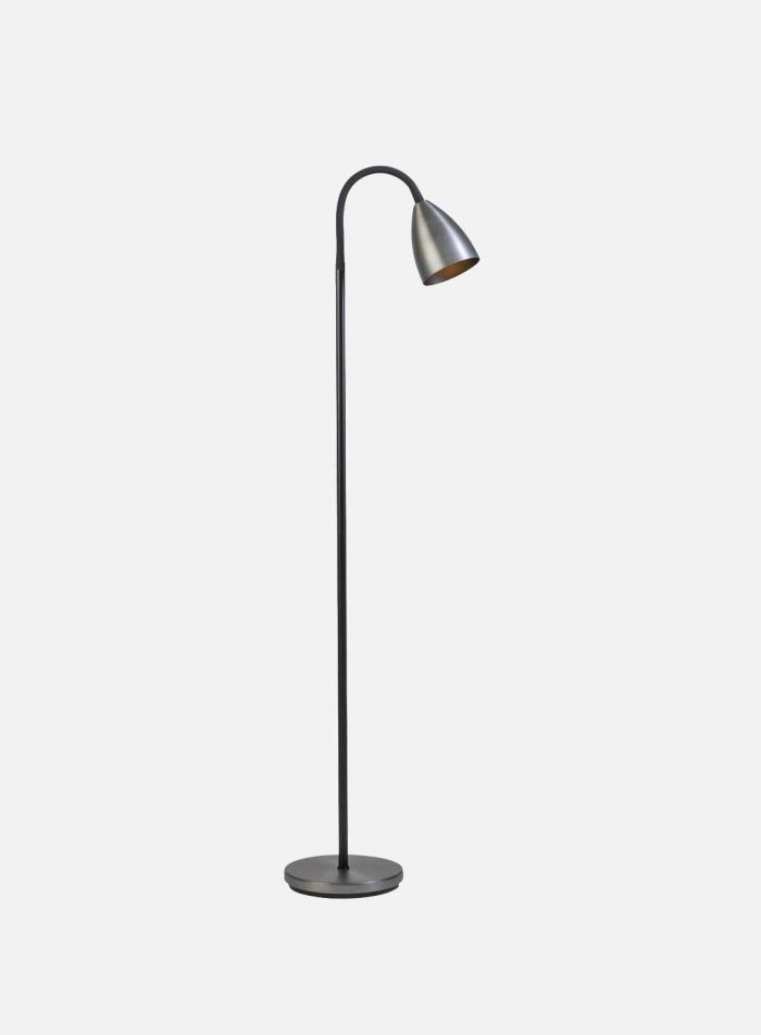 Trotsig LED gulvlampe - oxidgrå